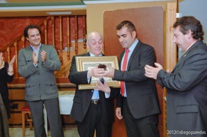 Entrega de Estatuilla Homenaje por 11 años al frente de la Asociación.