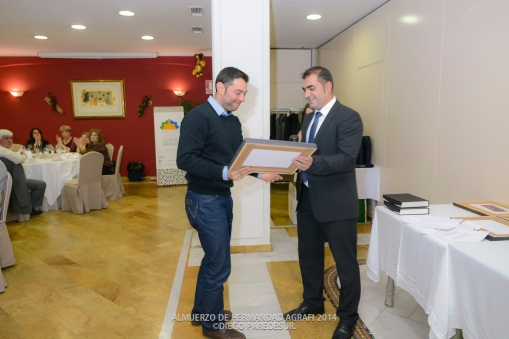 Entrega de Diploma especial a Lorenzo Guerrero por su reconocimiento como Maestro fotógrafo en Fepfi.