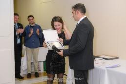 Entrega de placa a Marta Vico, responsable de la secretaría técnica de AGRAFI por la excelente labor desempeñada.