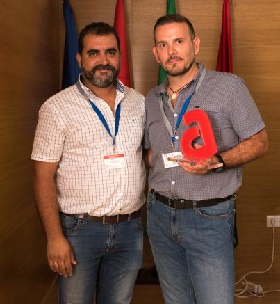 "El Presidente de Agrafi Entrega de ""Sello de Calidad Agrafi"" a Jorge Ruiz de la empresa Ldi Laboratorio Profesional"